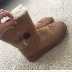 UGG boots Bailey Buttons